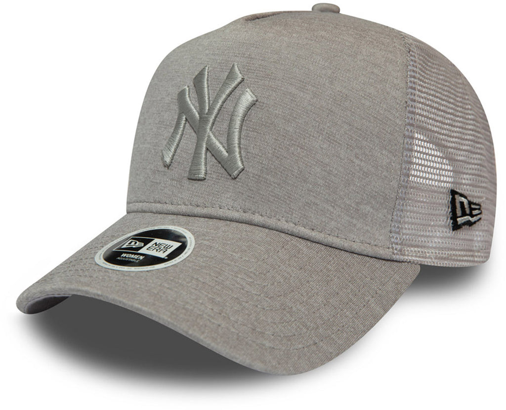 NY Yankees Womens New Era Shadow Tech Trucker Cap