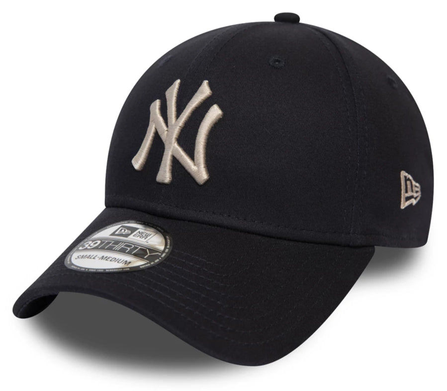 NY Yankees New Era 3930 League Essential Navy Stretch Fit Baseball Cap