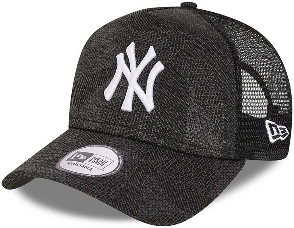 New York Yankees New Era Engineered Fit Black Trucker Cap