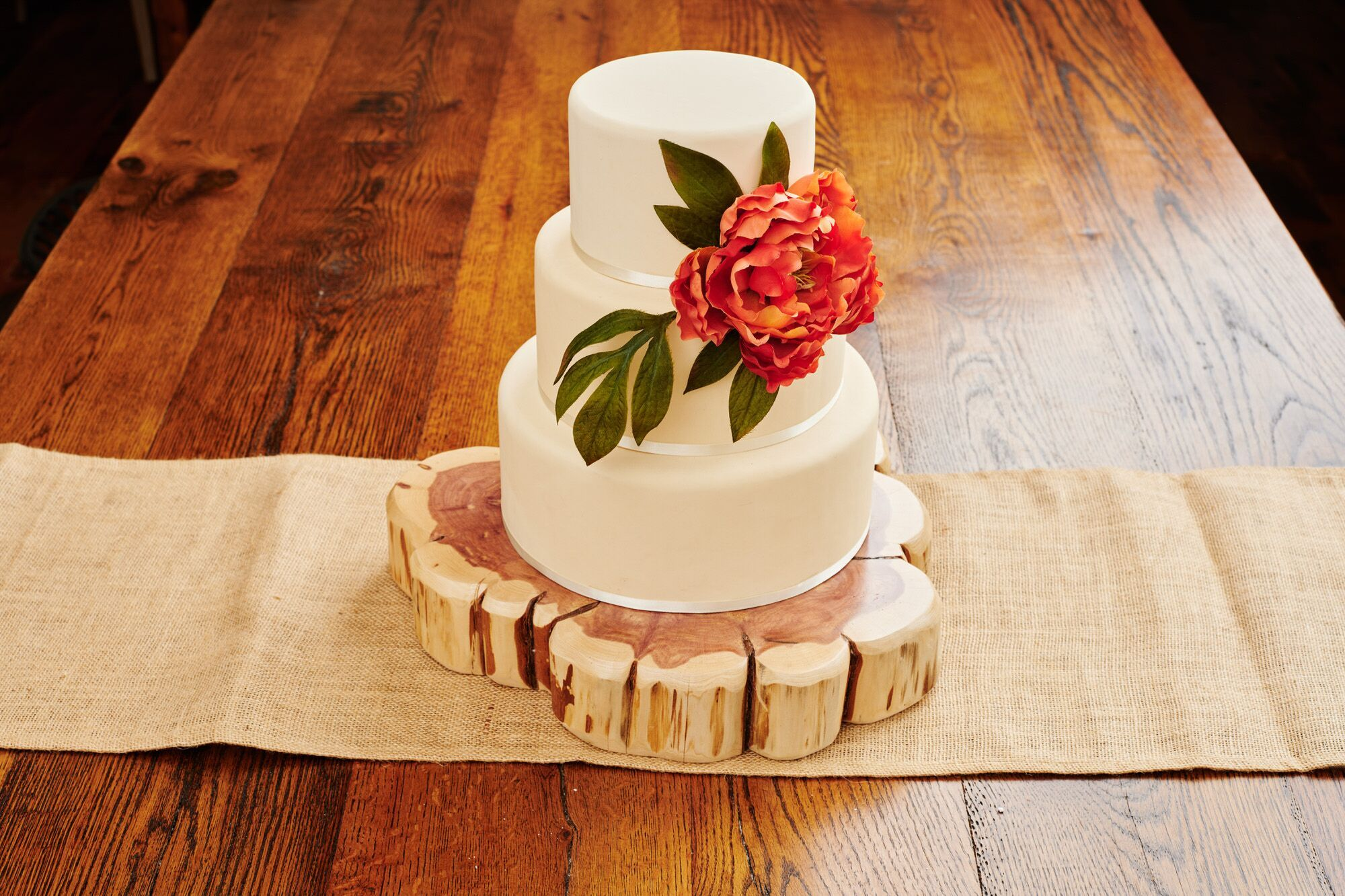 Knaughty Log Co - Knaughty Log Co - Cake Stand
