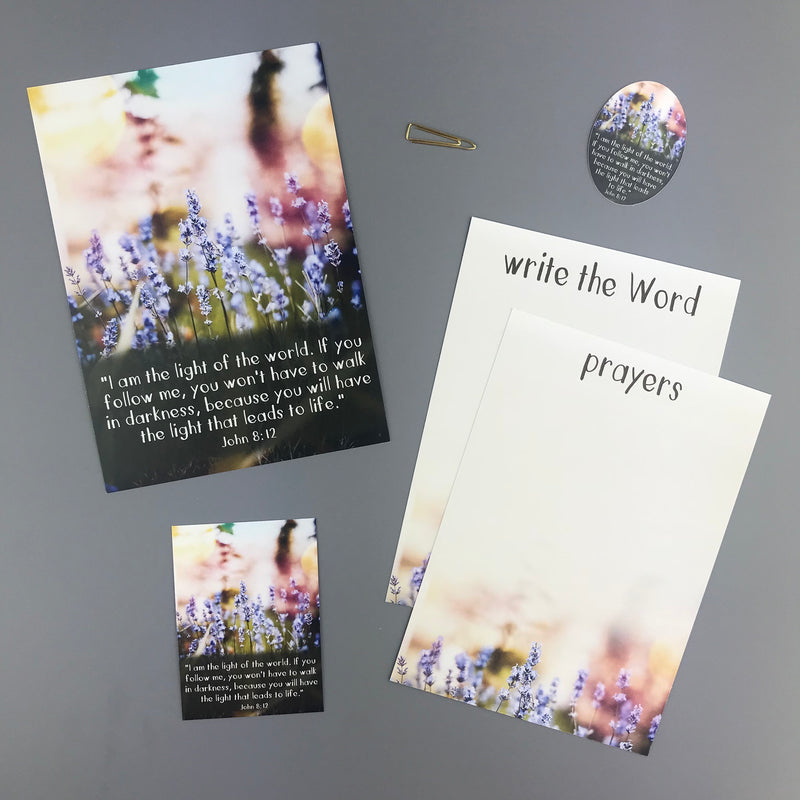 John 8:12 Envelope - Grace Notes Subscription