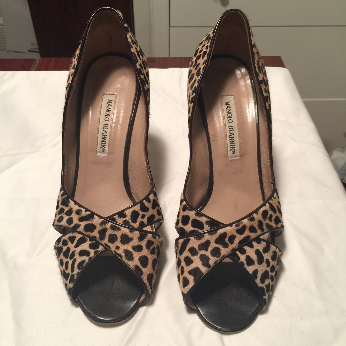 Manolo Blahnik Pumps - New York Authentic Designer - Manolo Blahnik