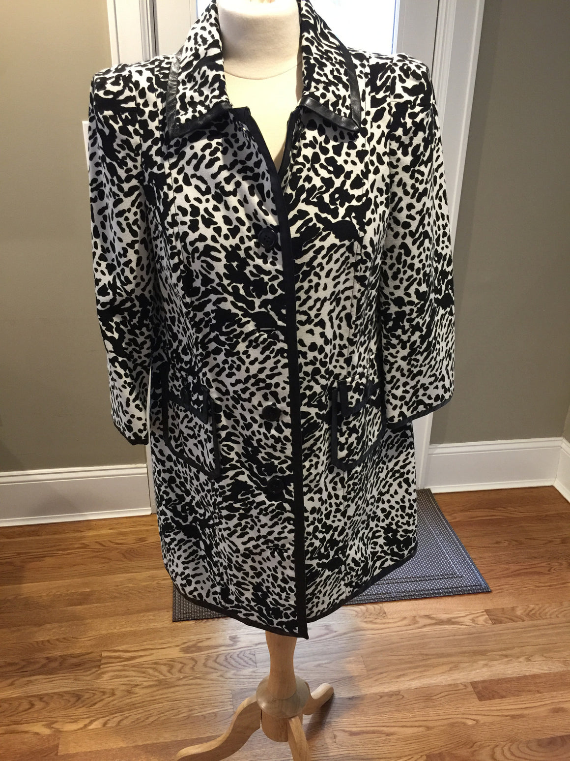 Very Chic Tibi Coat - New York Authentic Designer - Tibi