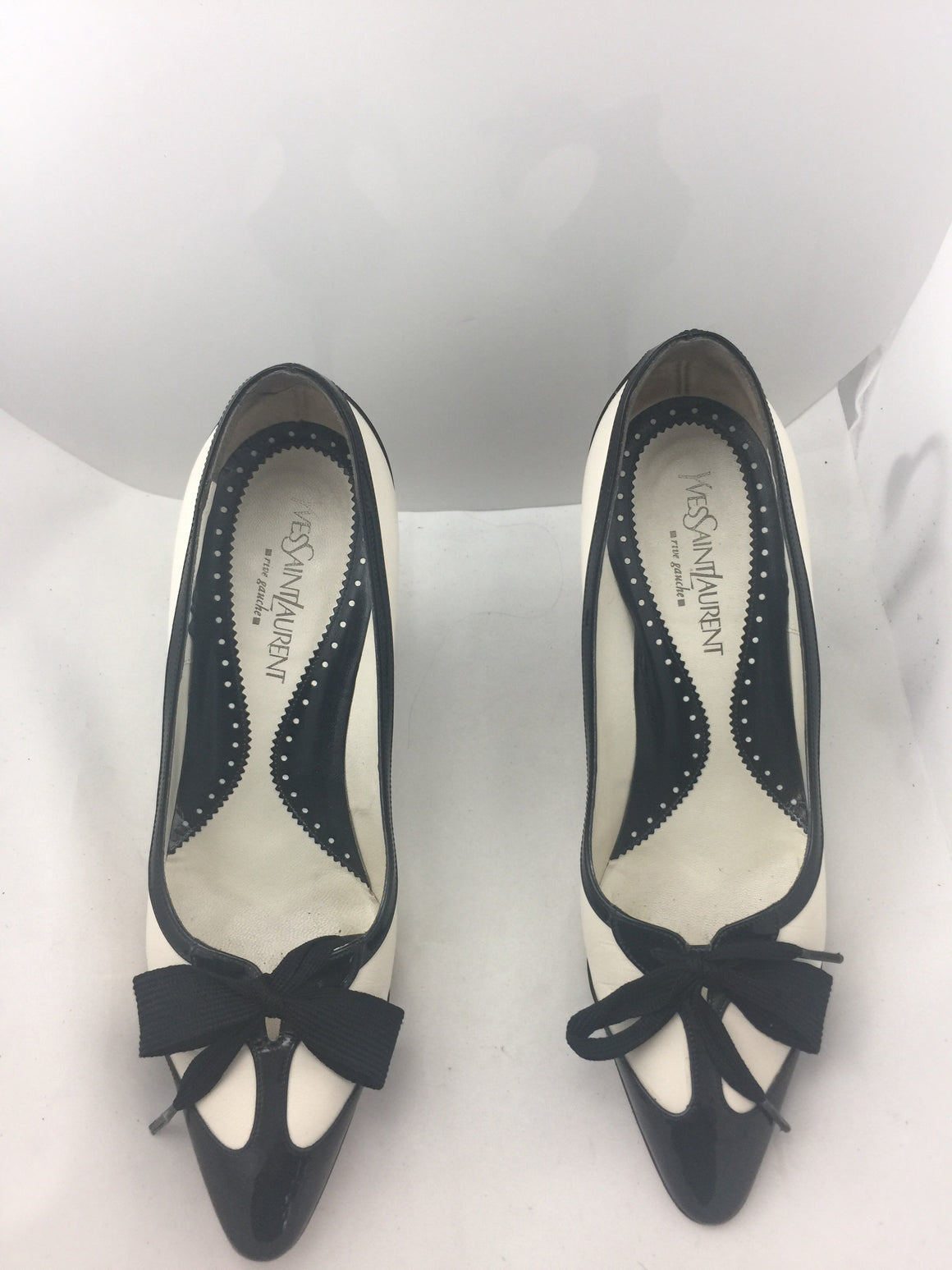 Yves St. Laurent Pumps!