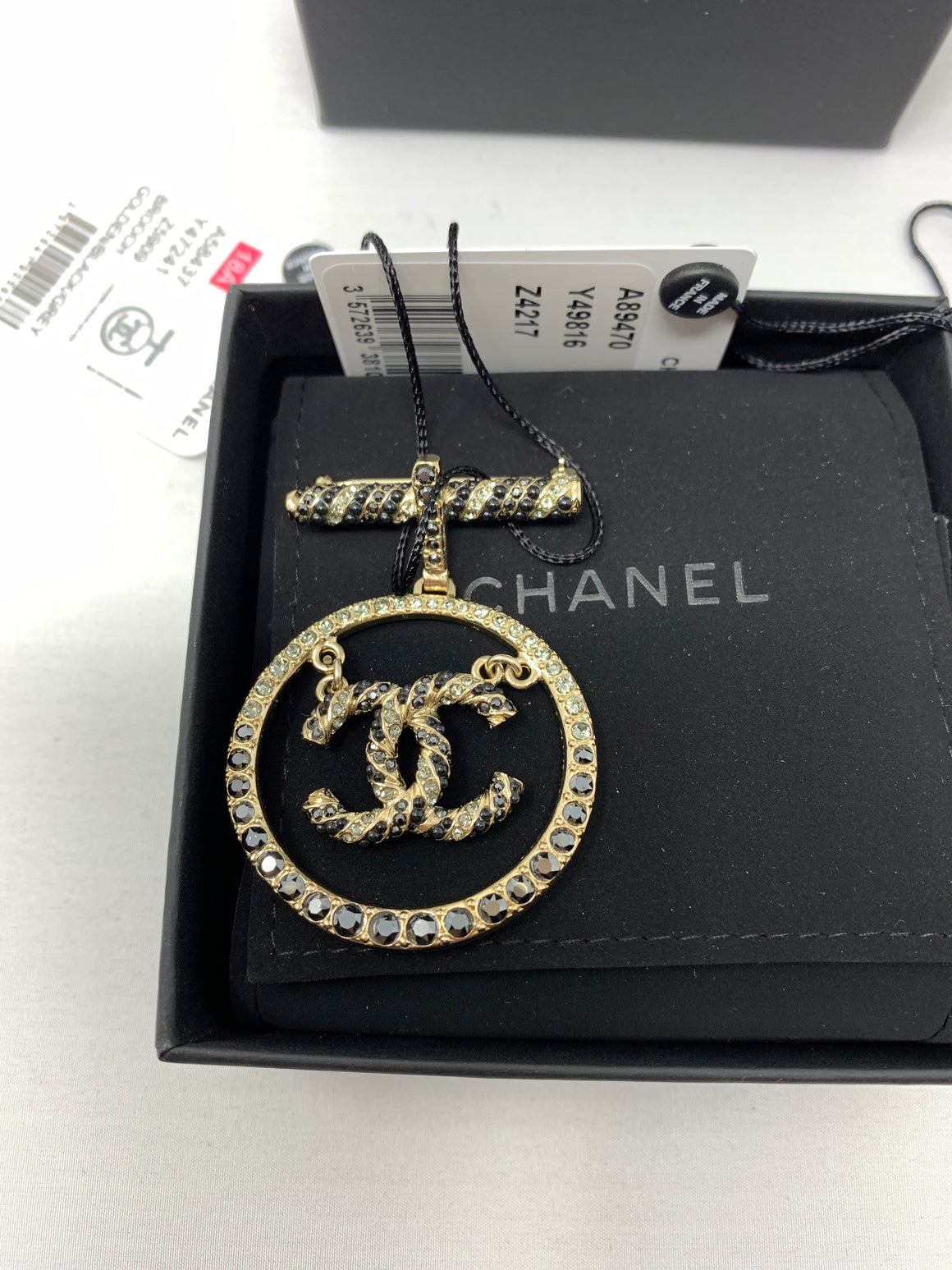 Chanel Strass Anchor Marine CC Brooch! - New York Authentic Designer - Chanel