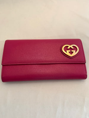 Gucci Hearts Wallet! - New York Authentic Designer - Gucci