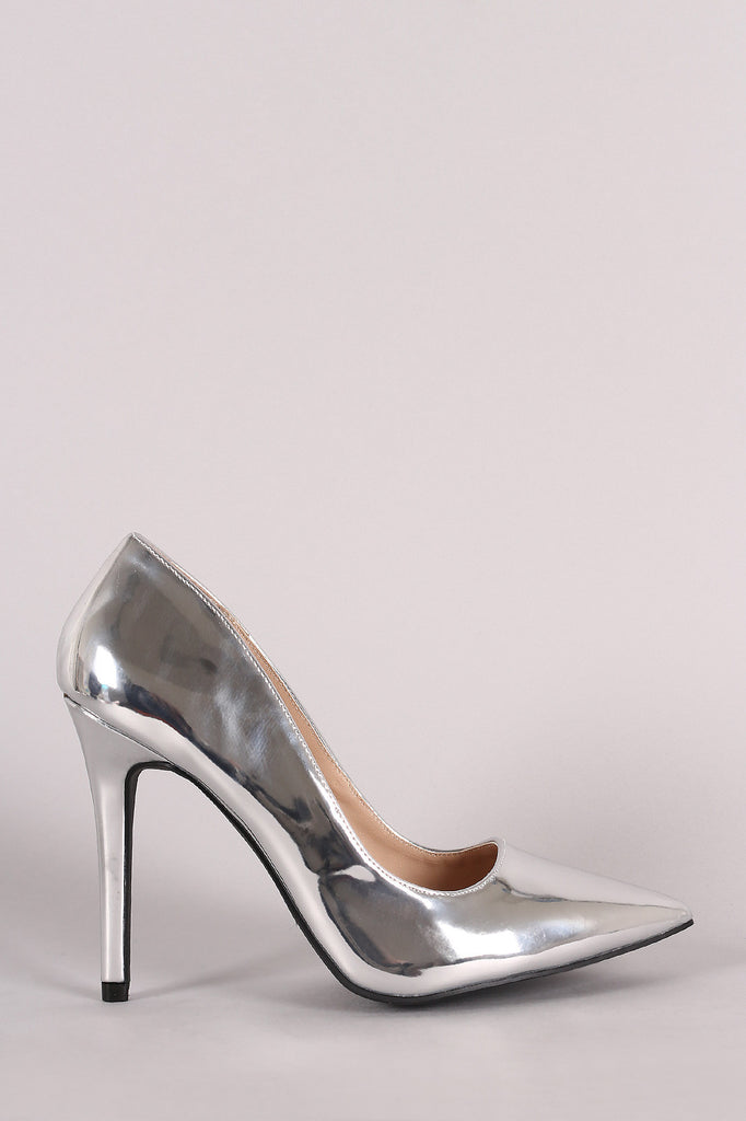 Qupid Metallic Pointy Toe Pump