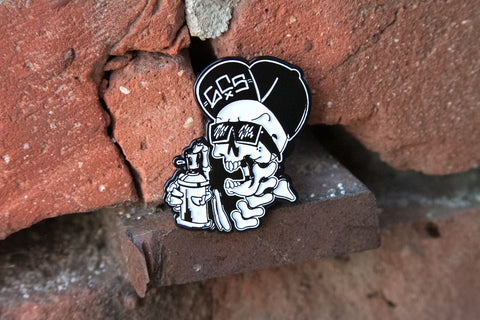 GCS pin skull graffiti