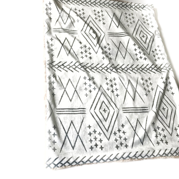 Minky Blanket - Aztec Off White - Dotboxed