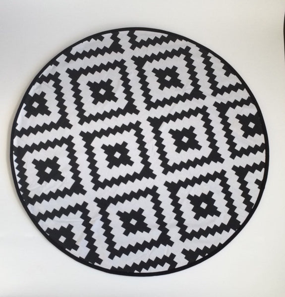 Black and White Jumbo Diamond Aztec - ROUND BLANKET - Dotboxed