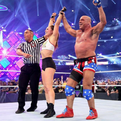 At Wrestlemania 34, Olympic gold medalist in freestyle wrestling and WWE champion, Kurt Angle and UFC champ, Ronda Rousey wearing Grappz finger support compression gloves for grip strength as a better alternative to finger tape.