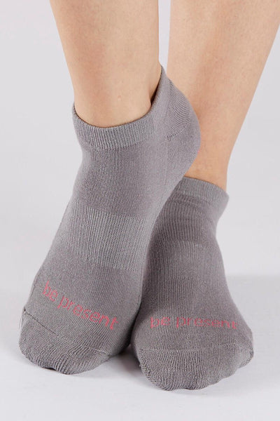 Sticky Be Socks Be Present Grip Socks - Dark Grey/Candy Pink - Sculptique