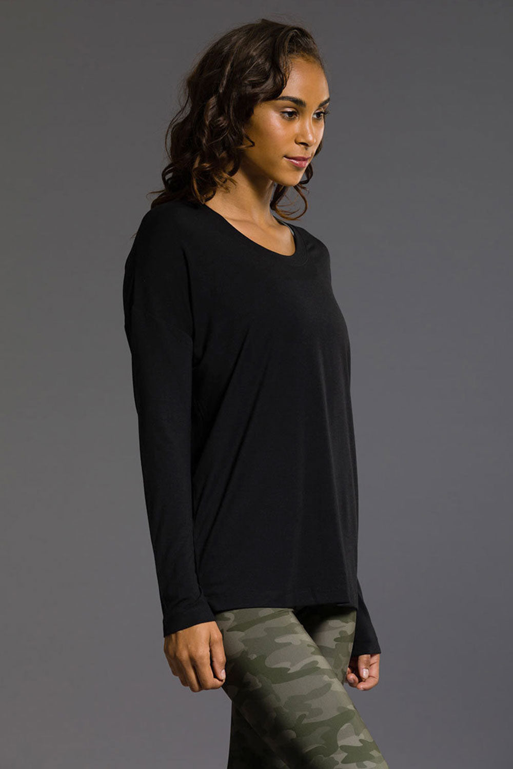 Onzie Braid Back Long Sleeve - Black - Sculptique