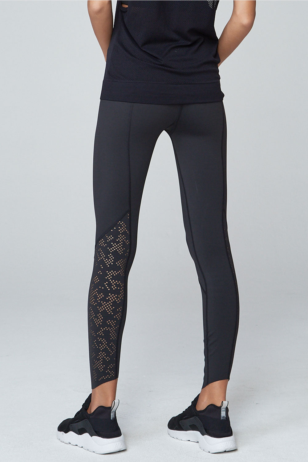 Varley Doran Tight - Black - Sculptique
