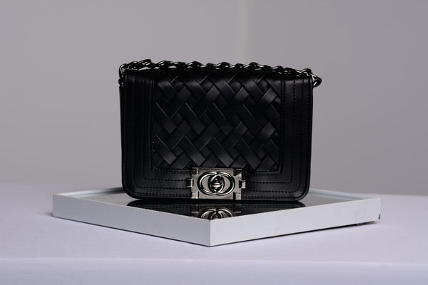 Leah Chain Bag-Black