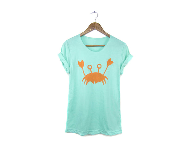 Happy Crab T-shirt by two string jane