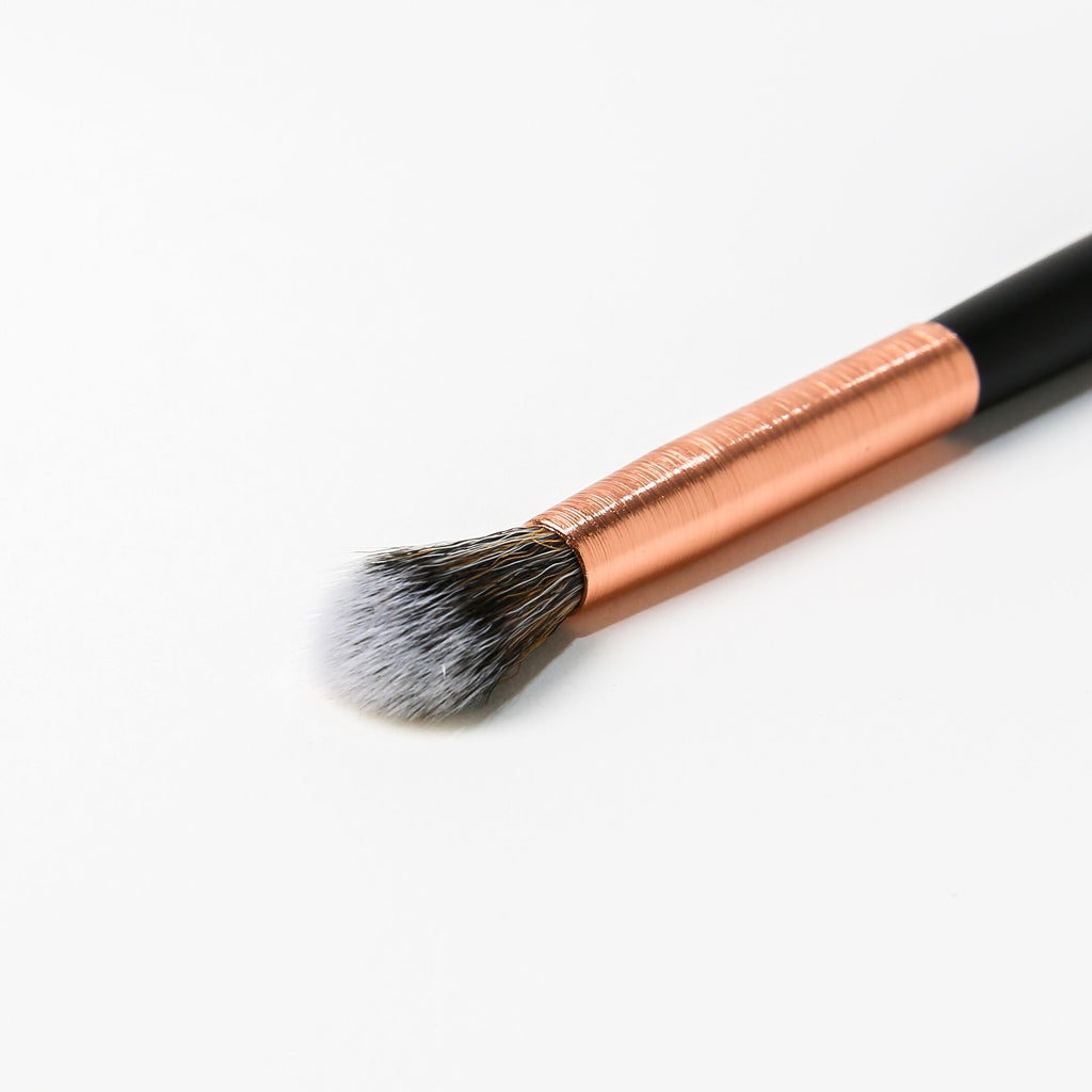 BEBELLA RG213 Blending Fluff Brush