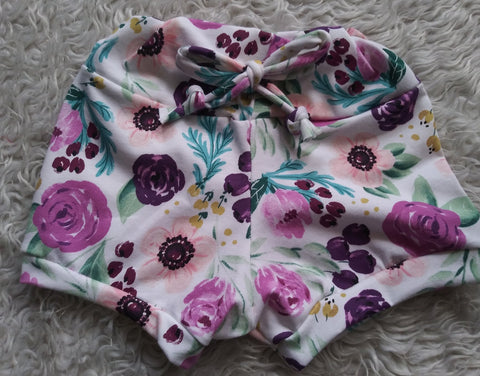 Plum floral shorties! Sizing up to 5T