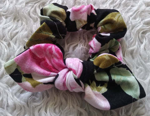 Black floral bow scrunchie! Perfect for mama's also!