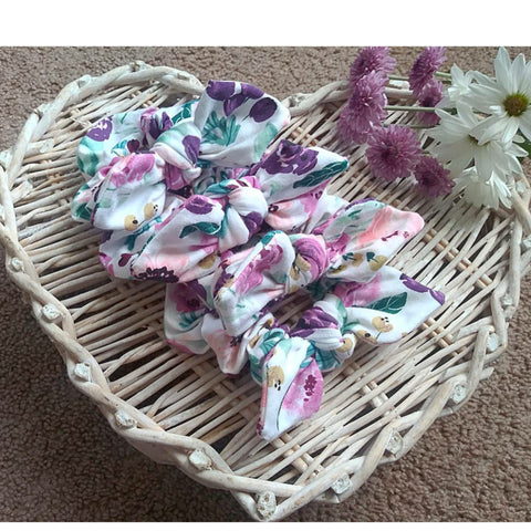 Plum floral bow scrunchie! Perfect for mama's also!