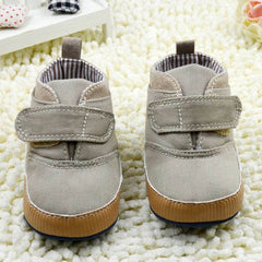 'Barry' Soft Sole Crib Walkers