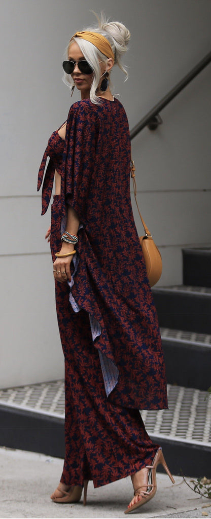 Kimono in navy and red print