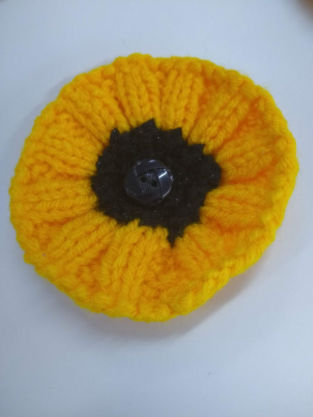 Knitted sunflower brooch - pin badge