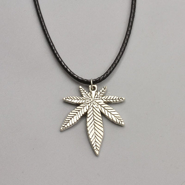 Leaf Pendant Necklace - Scruffy Chic