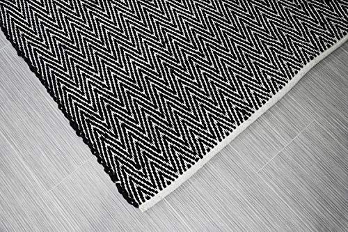 MystiqueDecors 3x5' Rug for Living Room - Natural White & Black Zigzag Hand Woven Design Indoor Non-Slip Eco-Friendly 100% Cotton Area Rug (36 X 60)