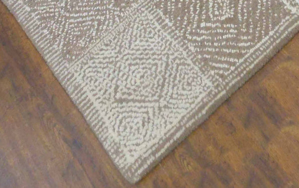 7x9 ft Beige & Ivory White Woolen Area Rug