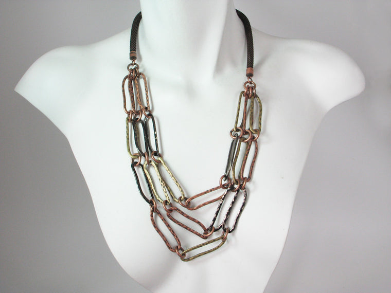 Mesh Necklace with 3-Strands of Hammered Oval Chain