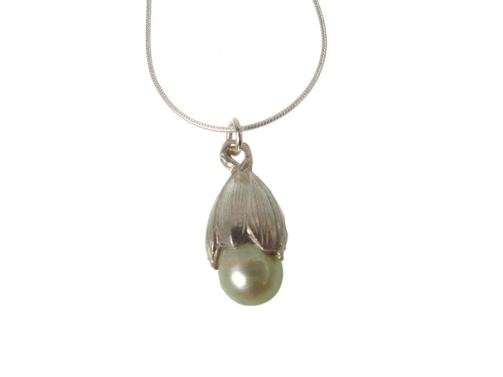 Bud Pearl Pendant Necklace | Erica Zap Designs