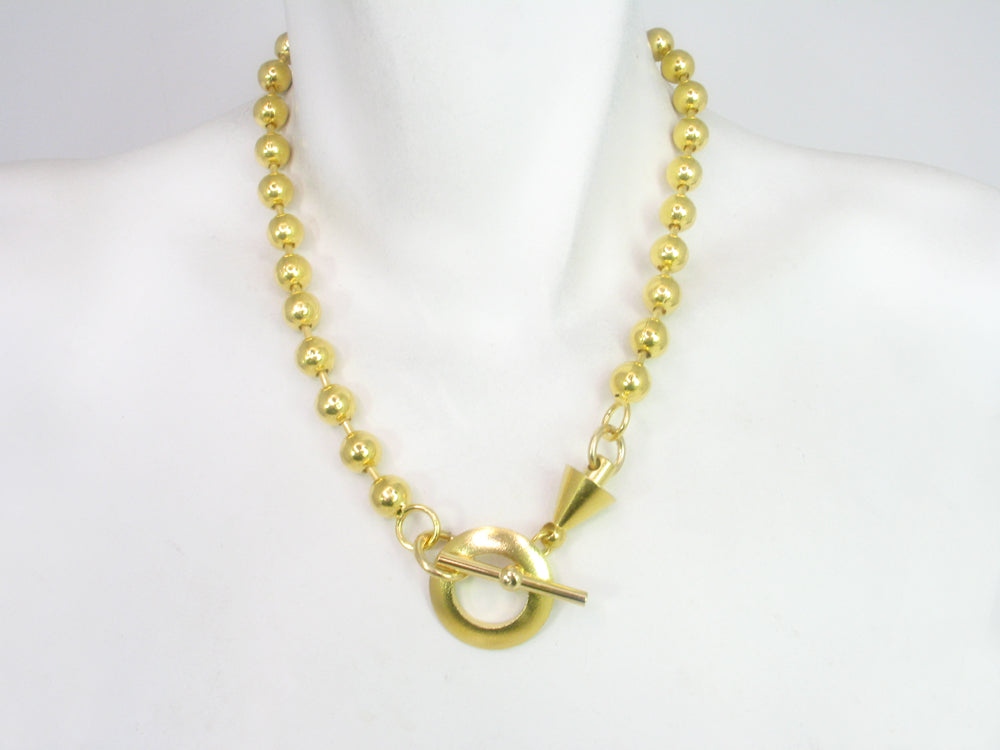 Chain Necklace with Front toggle Clasp