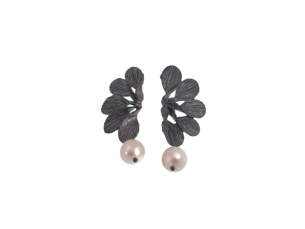 Petal Fan Pearl Earrings