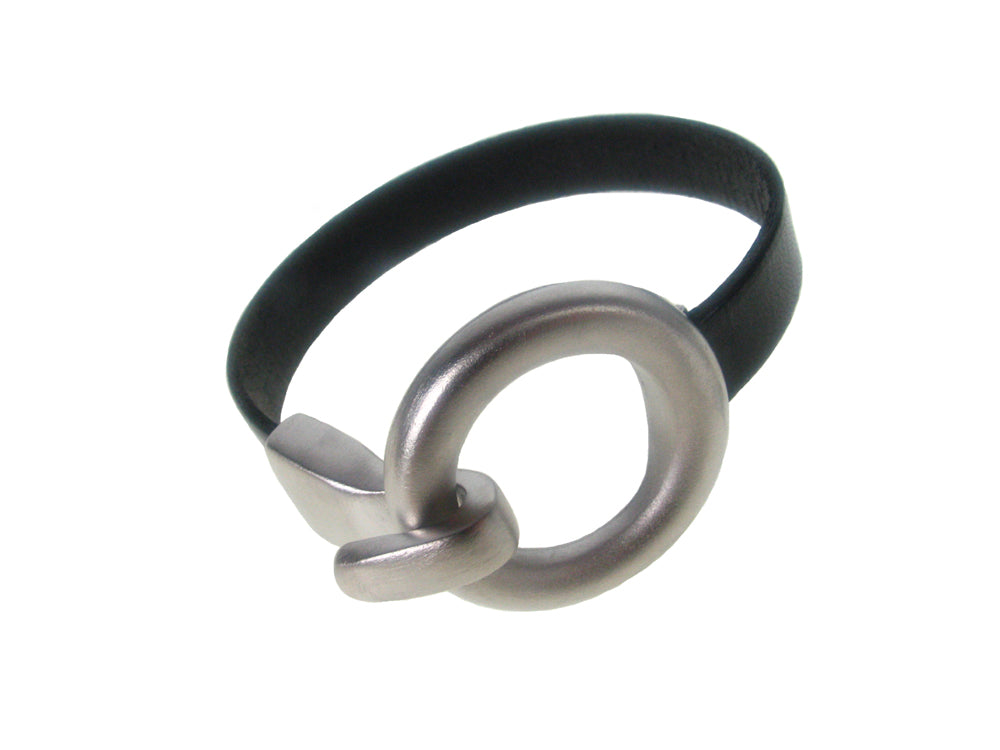 Flat Leather Bracelet | Round Hook Clasp