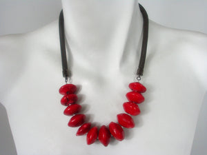 Mesh Necklace with Dyed Coral Discs