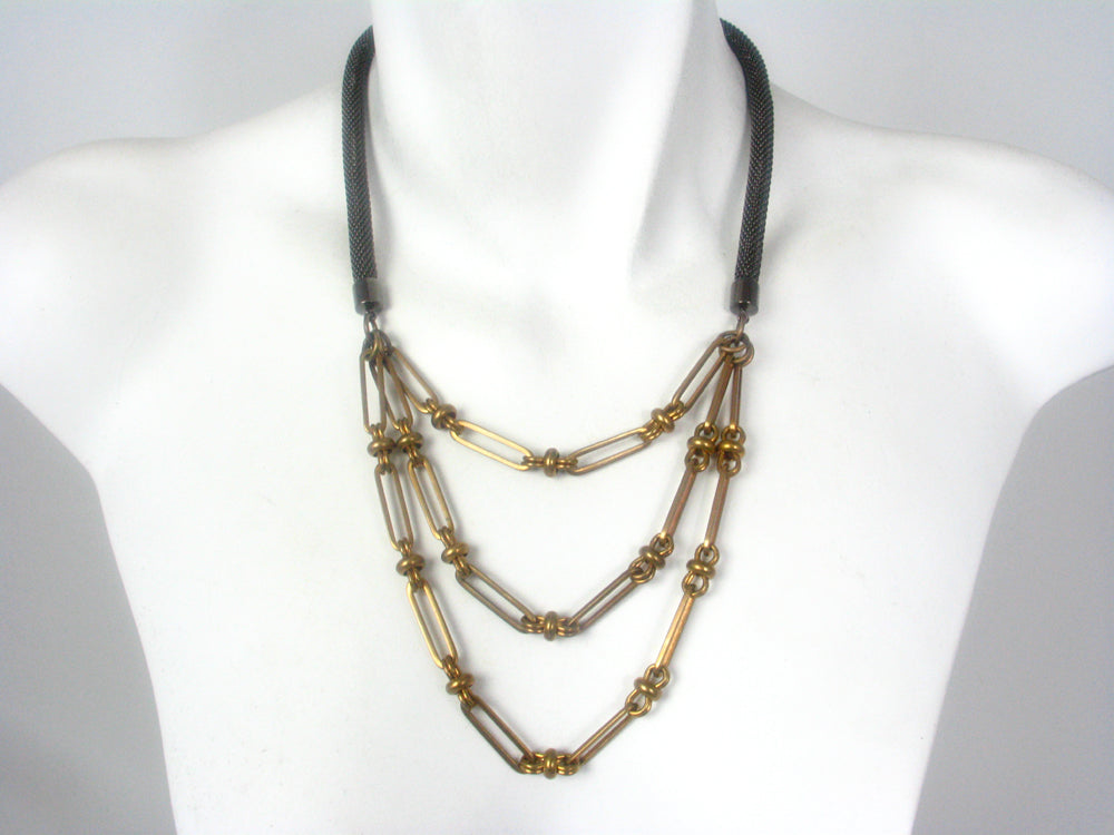 Mesh Necklace with Graduated Chain
