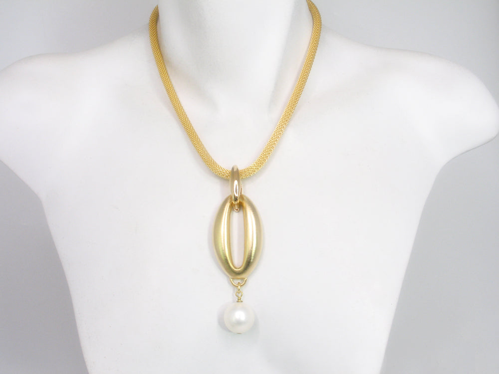 Mesh Necklace with Oval Drop with Pearl