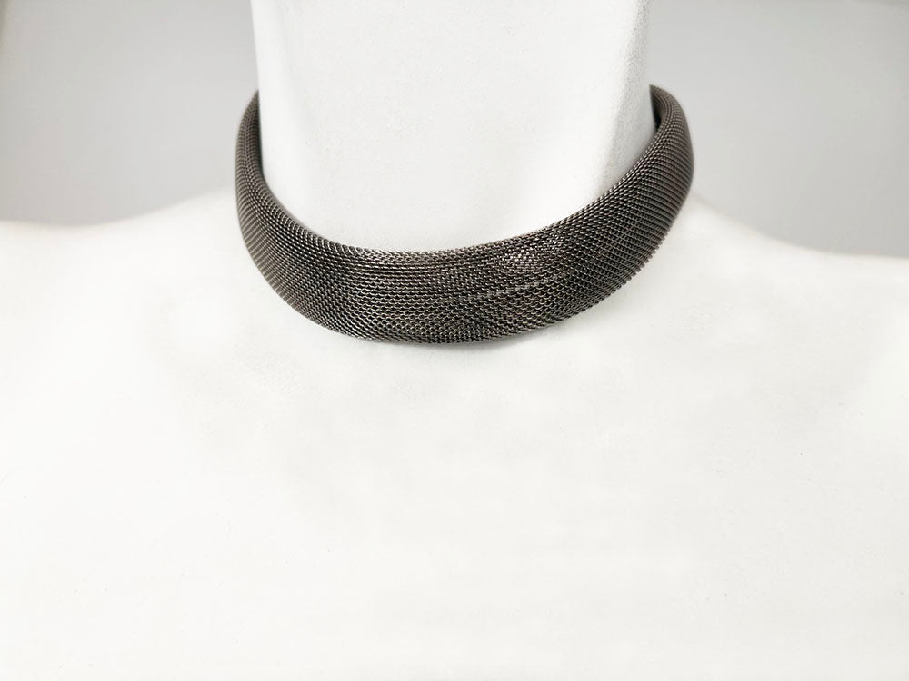 Wide Mesh Choker Necklace
