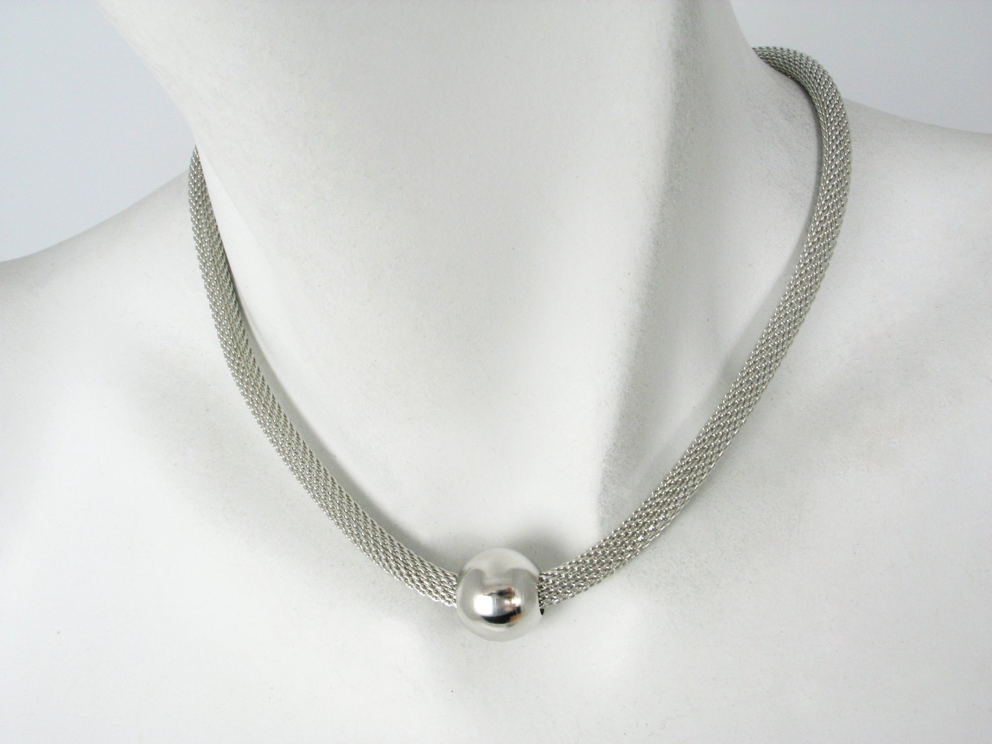 Thick Mesh Necklace with Metal Bead
