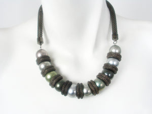 Mesh Necklace with Faux Pearls