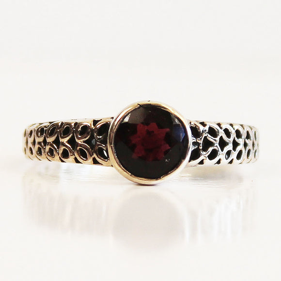 100% 925 Solid Sterling Silver Filigree Solitaire Red Garnet Gemstone Ring - Size 7, 8, 9 or 10 - Cherish Me Jewellery - Melbourne Australia