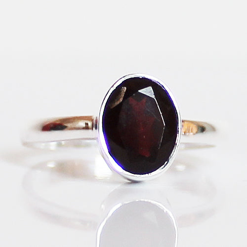 ddb2edfea0286 100% 925 Solid Sterling Silver D1 Faceted Red Garnet Stone Ring - Size 7 or  9 - Cherish Me Jewellery