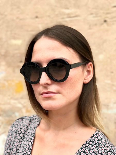Lips Black Sunglasses from Folc
