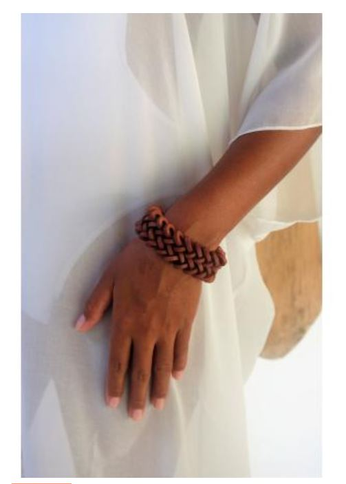 WOODEN BRACELET BROWN BANAGO FOLKLORIOUS