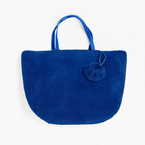 Furry shopper in recycled sheepskin - Electric Blue