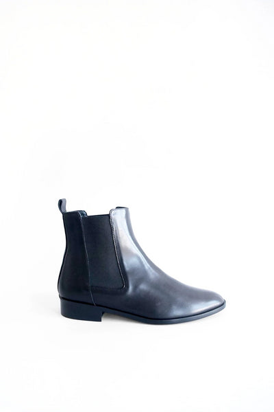 Leather flat bootie