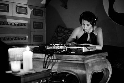 INTERVIEW WITH DJ MOM VALENTINA GIAMPIERI & HER MUSIC PLAYLIST FOR BREASTFEEDING MOMS