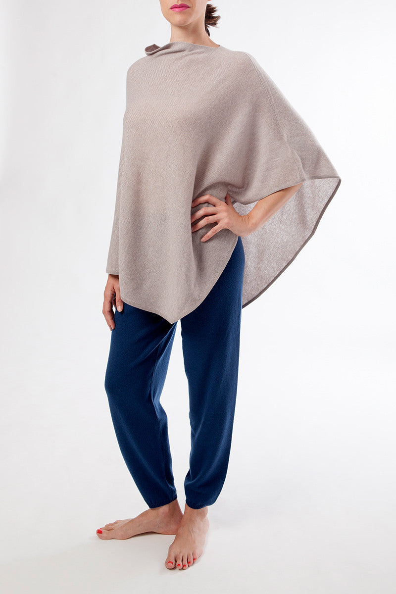 olimpia poncho - nursing cover - cashmere - beige