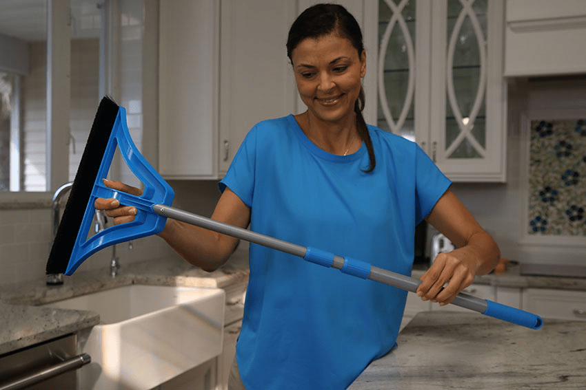 Convenient Collapsible Broom